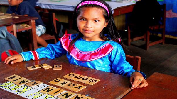 Más de un millón de niños peruanos tienen una lengua materna diferente a la castellana.