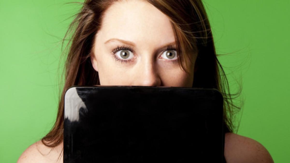 Un 48 % de estadounidenses se asume un 'chequeador constante' de sus medios sociales o de su correo electrónico.