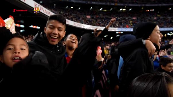 Los chicos también tuvieron tiempo para conocer la ciudad y acudir al Camp Nou para ver al Barcelona.