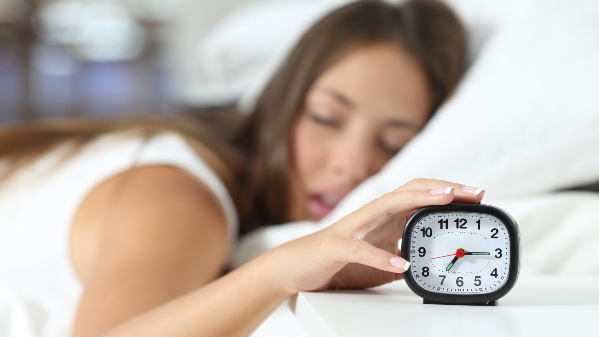 Dormir es un hábito saludable pues restaura nuestra energía.