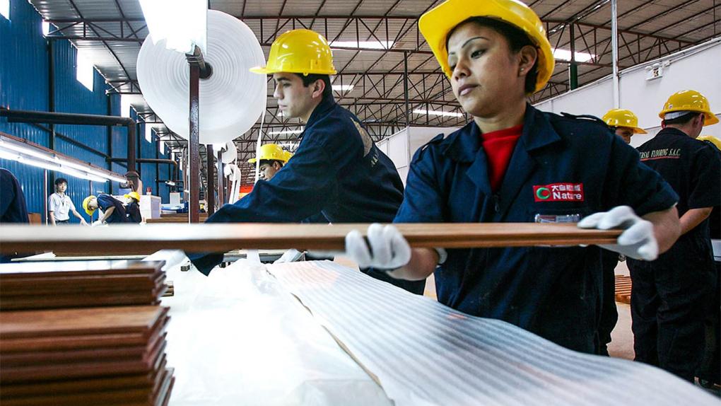 La presencia de mujeres en altos cargos y posiciones directivas en las empresas aún es pobre.