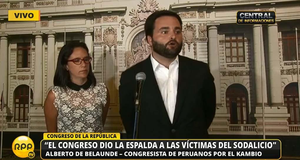 Los congresistas Alberto de Belaunde (Peruanos por el Kambio) y Marisa Glave (Frente Amplio) expresaron su desacuerdo con la decisión del Congreso.