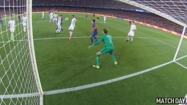 Luis Suárez hizo salta al Camp Nou en el inicio del encuentro.