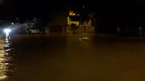 El nivel de agua alcanzó los 40 y hasta 60 centímetros de altura.
