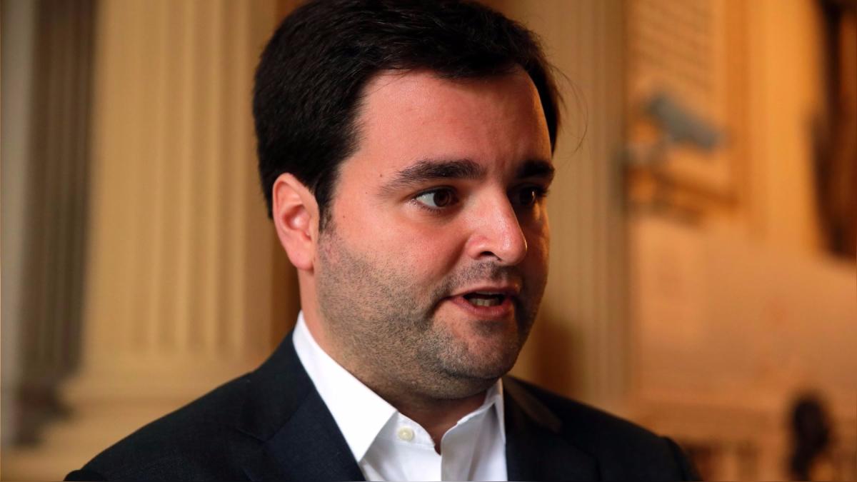 Ante la prensa en el Congreso, De Belaunde volvió a hablar de los vínculos entre Fuerza Popular y el Sodalicio.