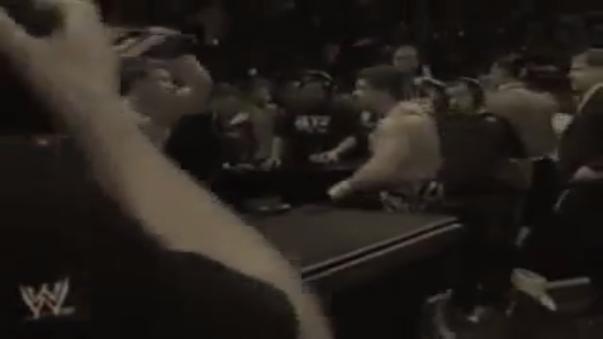 JBL asesta un silletazo a la cabeza de Eddie Guerrero haciéndole sangrar. Guerrero sufrió de daño cerebral causado por las conmociones que sufrió a lo largo de su carrera.