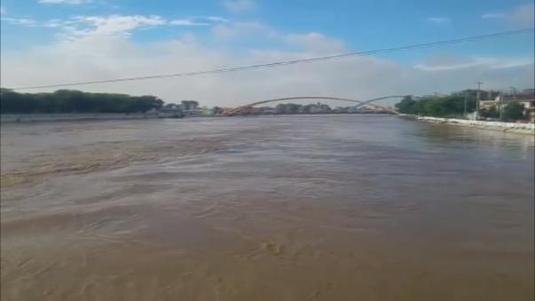 Aumenta el caudal del río Piura.