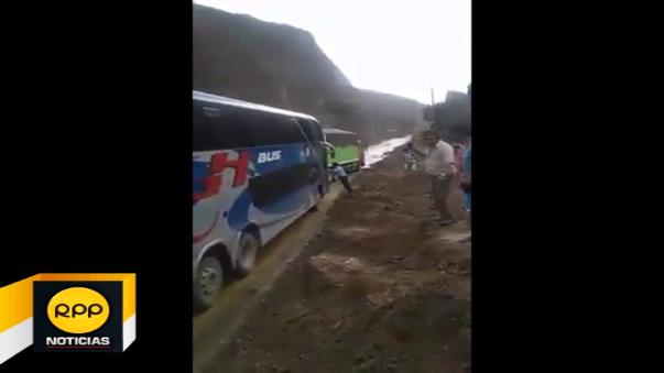Huaico en carretera de Huancabamba.