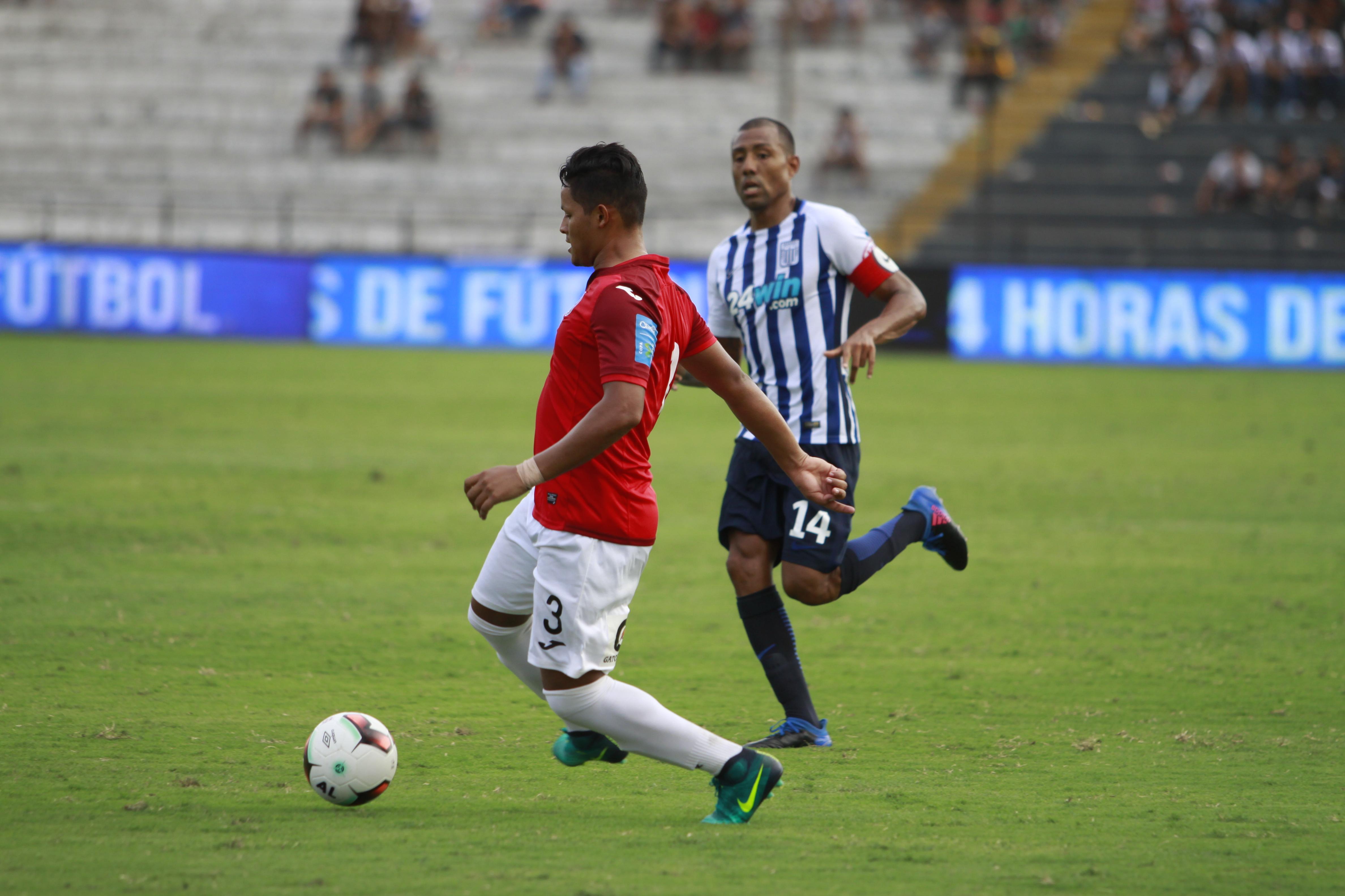 El partido entre Juan Aurich y Alianza Lima sigue en suspenso por los cambios climatológicos en el norte del país.