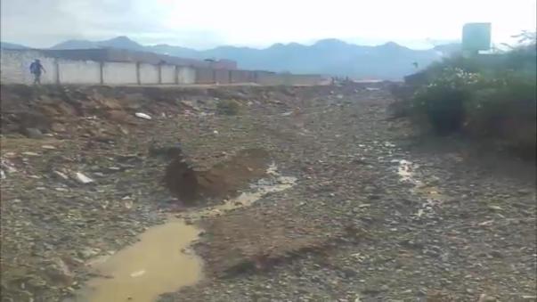 En el centro poblado El Milagro, distrito de Huanchaco, todo quedó tapado por el lodo.