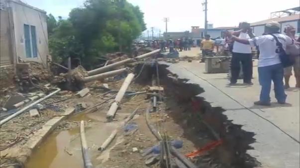 Desborde del río Lacramarca inundó calles y viviendas.