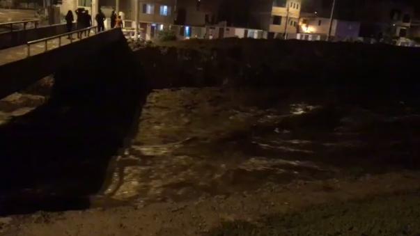 Así estaba el río Chillón en la madrugada