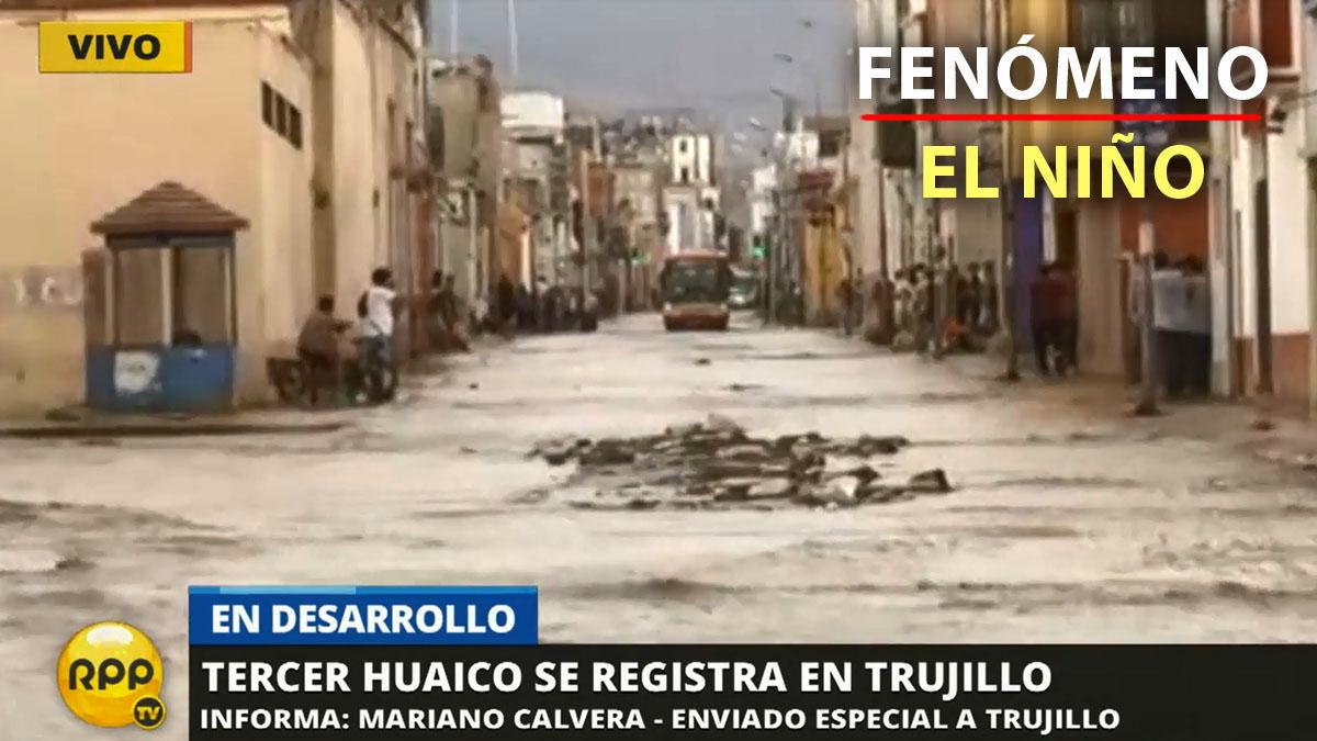 El agua de la quebrada de San Ildefonso inundó el centro histórico de Trujillo.