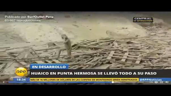 Este es el momento en el que la mujer sale del fango traido por el huaico en Punta Hermosa.