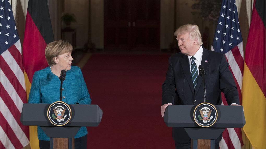 Trump y Merkel celebraron su primera reunión como dignatarios.