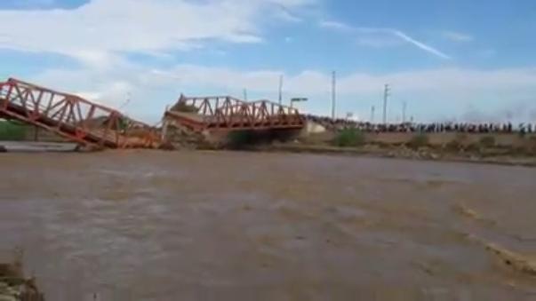 El río Virú discurre por la estructura colapsada.