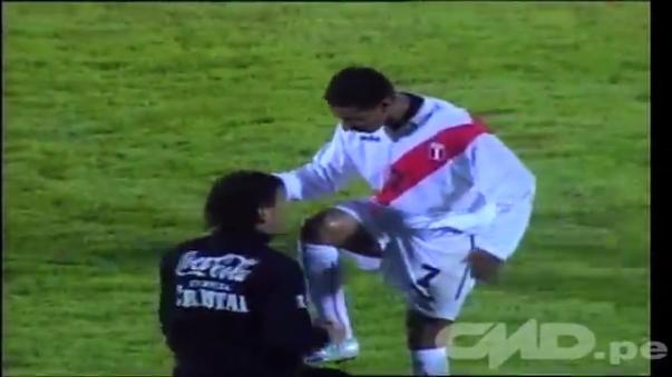Perú ganó 3-1 a Uruguay en Montevideo.