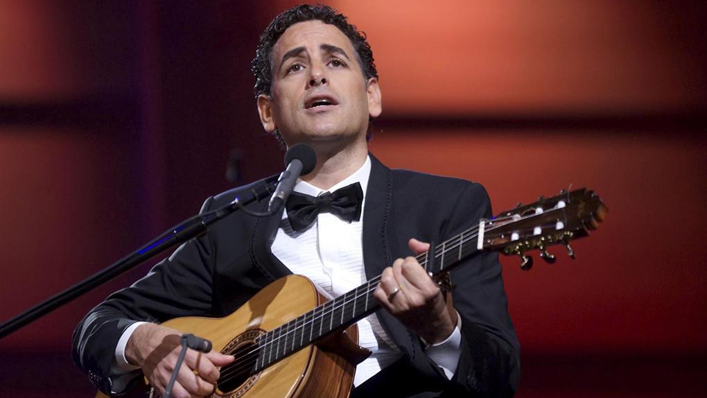 El cantante peruano Juan Diego Flórez pidió ayuda  a la comunidad internacional.