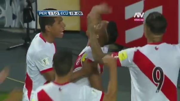 Perú venció 2-1 a Ecuador en el Estadio Nacional.
