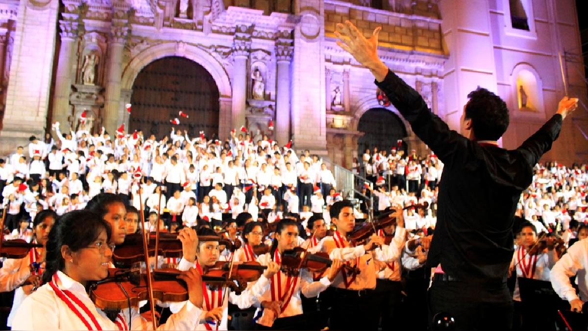 Juan Diego Flórez invitó a los limeños a asistir al concierto para colaborar con los damnificados.