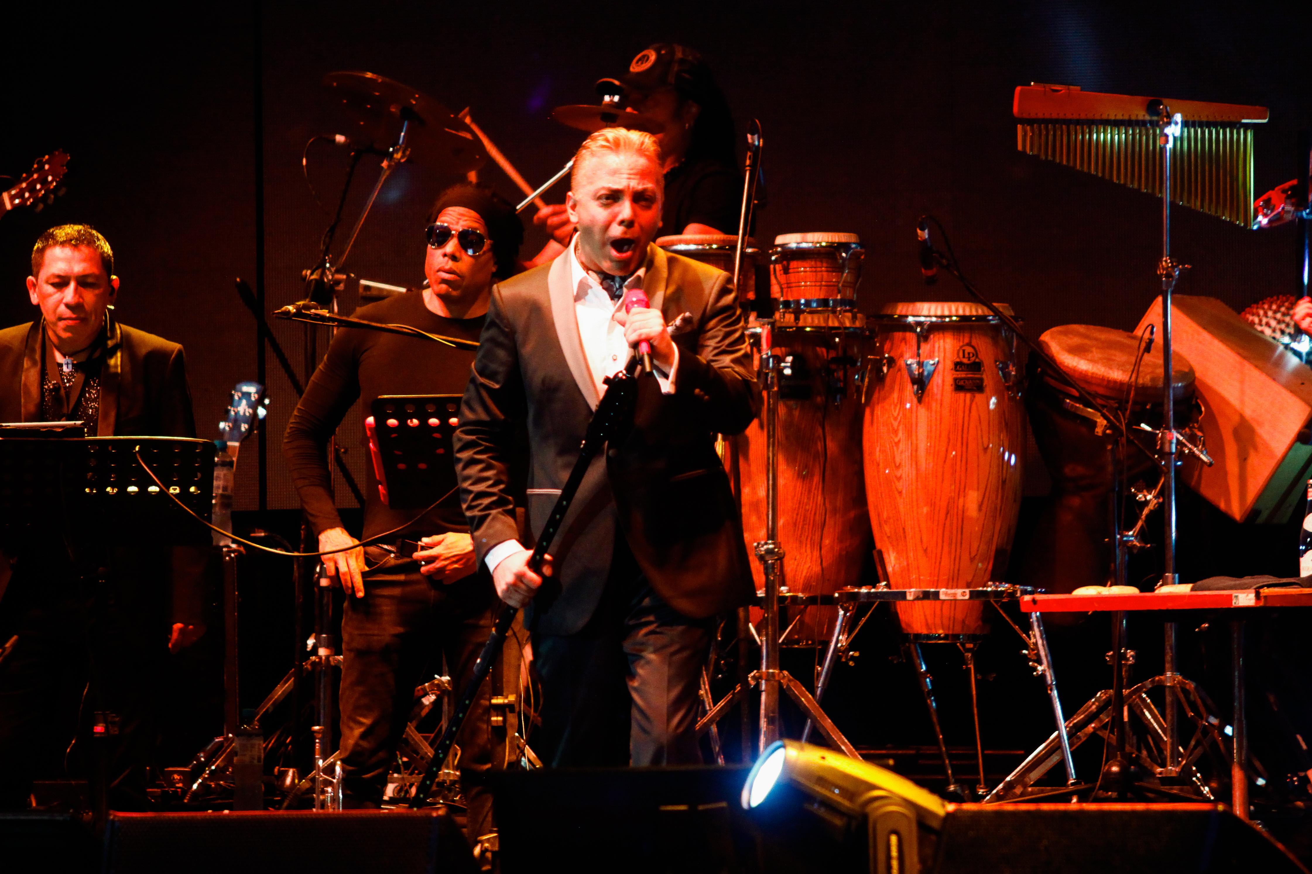 Cristian Castro deleitó con sus canciones la pueblo limeño.