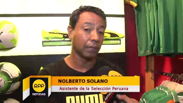 Nolberto Solano es asistente técnico de Ricardo Gareca.