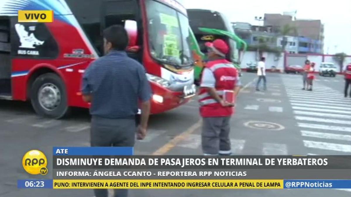 Hay poca afluencia de pasajeros en el terminal de Yerbateros. Al parecer, la mayoría de limeños ha optado por no viajar.
