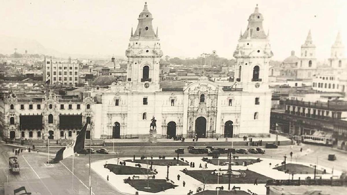 La catedral de Lima era el centro de las celebraciones de Semana Santa en la Lima de década de los 40.