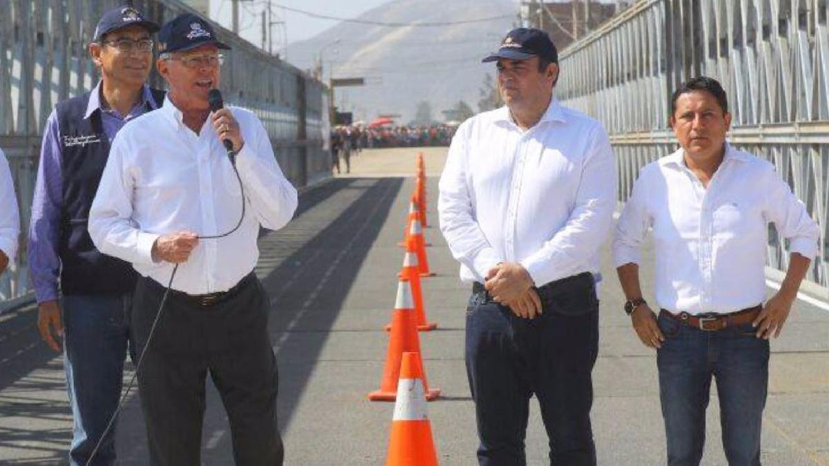 Fernando Zavala acompaña al presidente Kuczynski en la inauguración del puente Virú