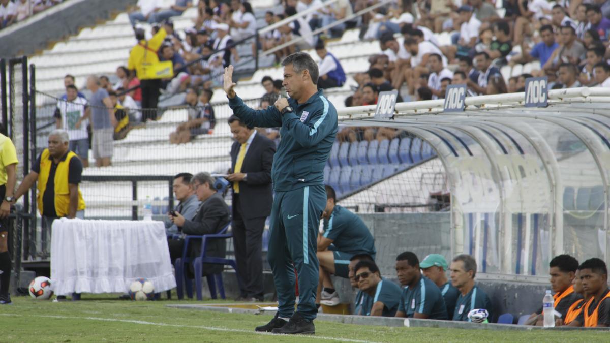 Pablo Bengoechea fue asistente técnico de Sergio Markarián en la Selección Peruana durante las Eliminatorias Brasil 2014.