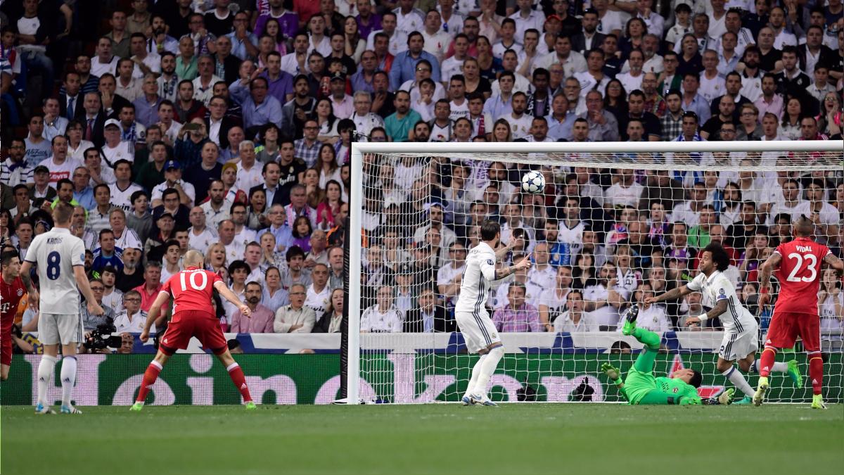 Marcelo apareció en el arco cuando la pelota estaba a punto de cruzar la línea de gol.