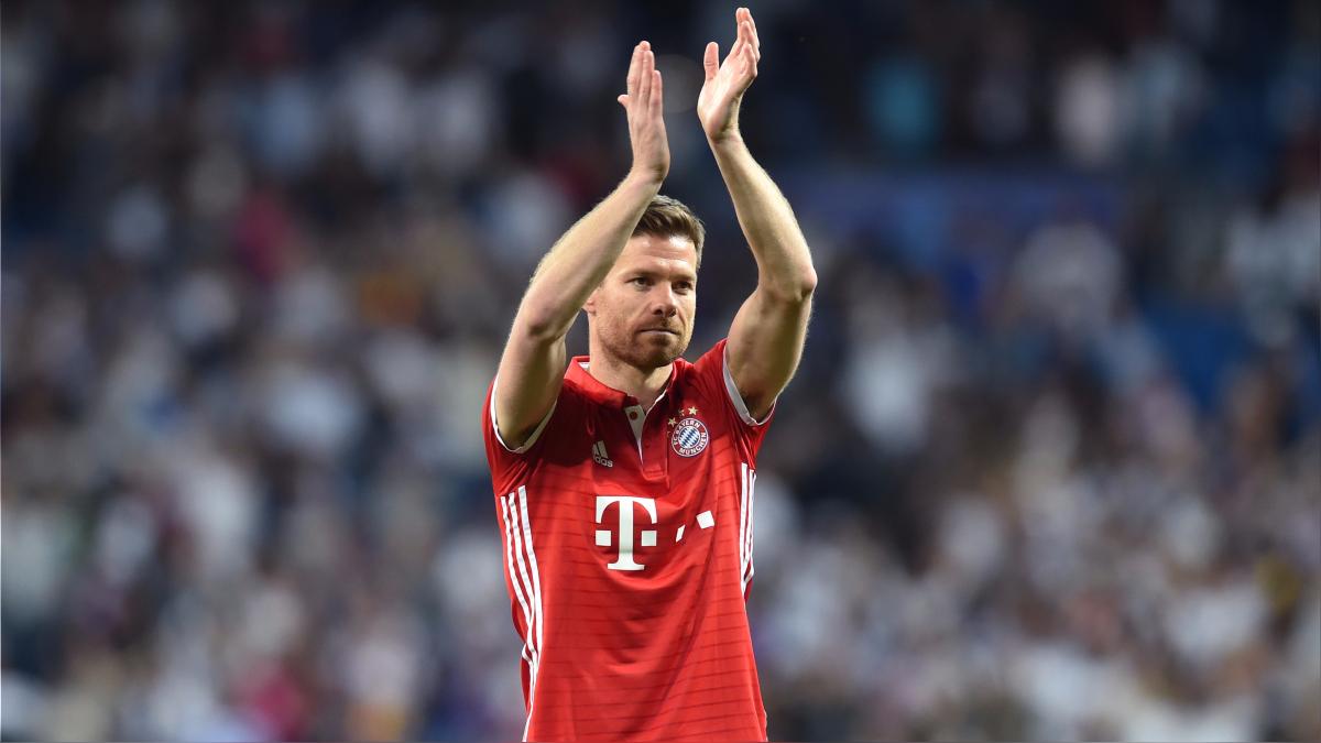 La ovación final del Santiago Bernabéu a Xabi Alonso.