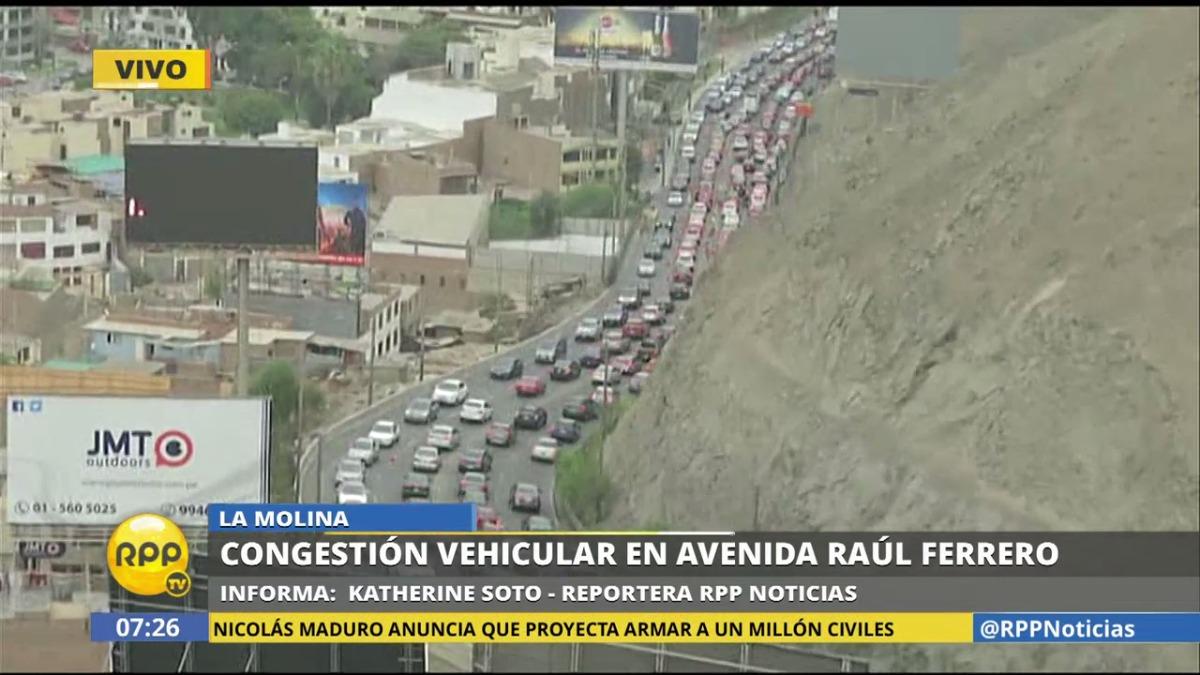A las 7:30 a.m. la congestión vehicular se intensificó.