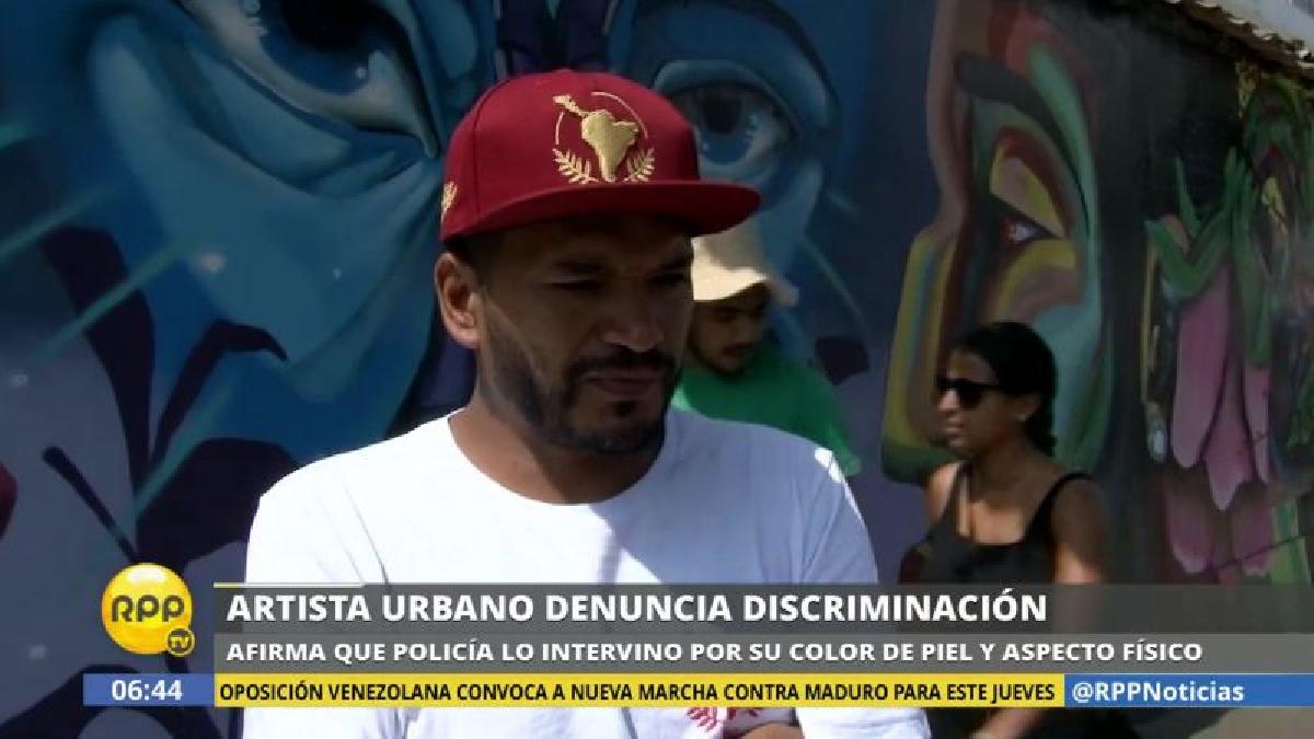 'Entes' denunció que la policía lo intervino basado en su color de piel y en su aspecto físico.