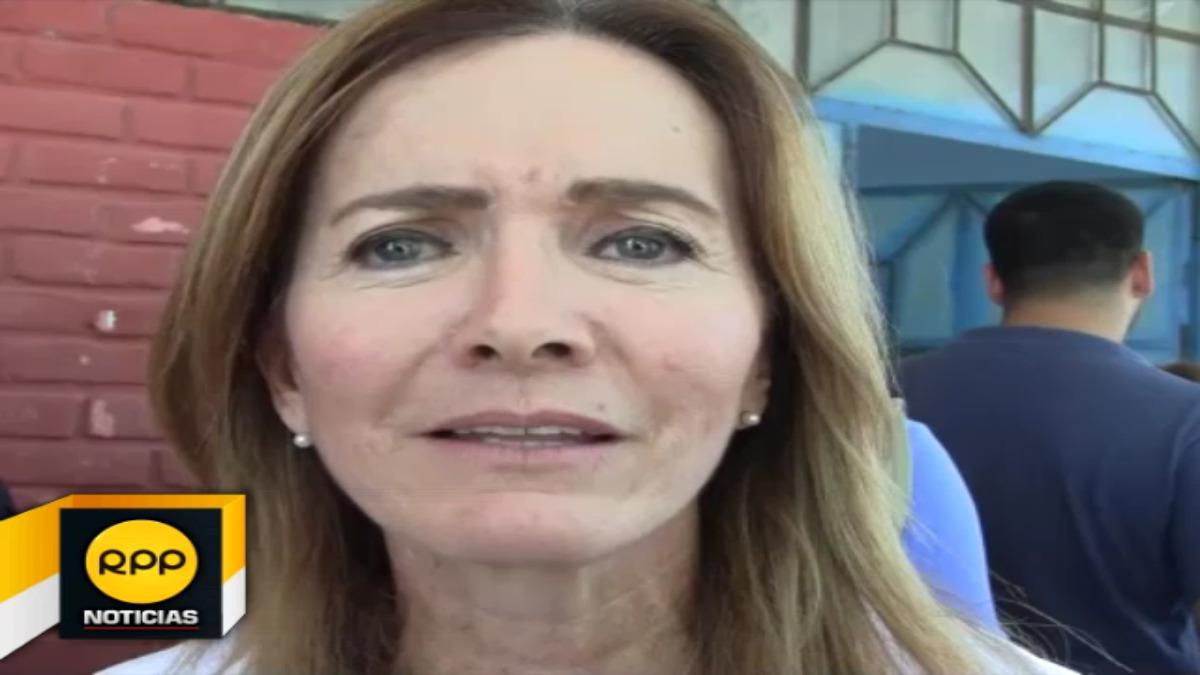 Ministra Martens defendió la reacción y el trabajo del Gobierno en momentos de emergencia y llamó a la calma a la sociedad civil.