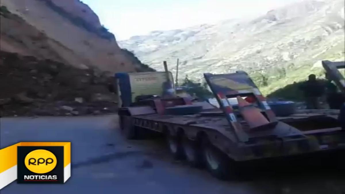 El derrumbe se registró en la carretera del distrito de Izcuchaca en la región Huancavelica.