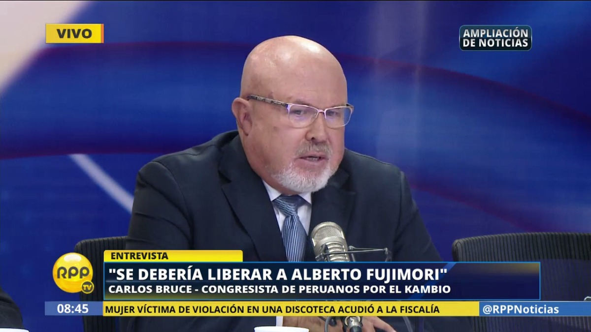 Esta mañana, el congresista oficialista Carlos Bruce dijo que, si dependiera de él, sí otorgaría el indulto a Alberto Fujimori.