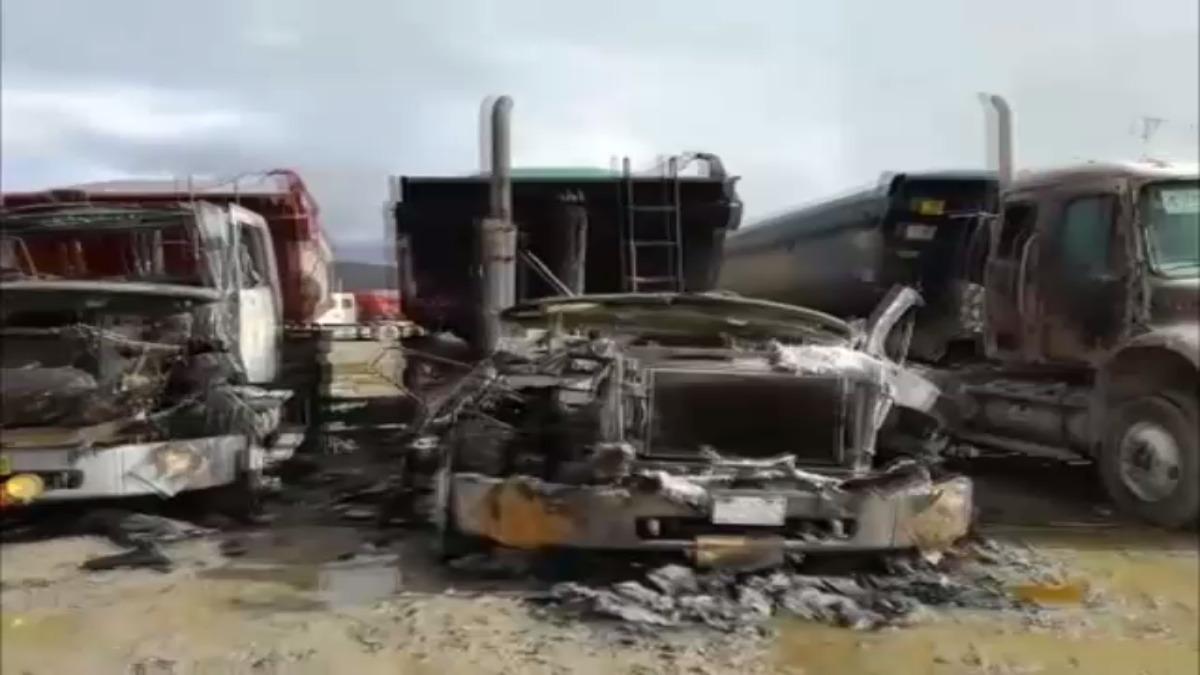 Vehículos de empresa Hudbay se incendiaron.