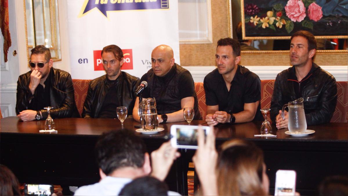 Magneto y Mercurio en conferencia de prensa.