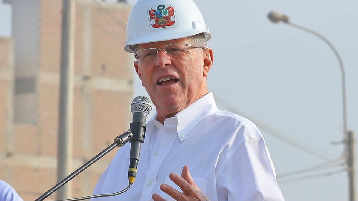 Kuczynski estuvo en Huachipa junto al ministro de Transportes, Martín Vizcarra, para supervisar las obras de reconstrucción del Puente Bailey.