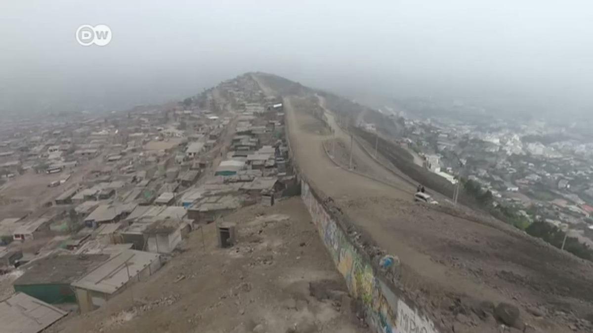 Este es el reportaje de la Deutsche Welle sobre el muro de la vergüenza.