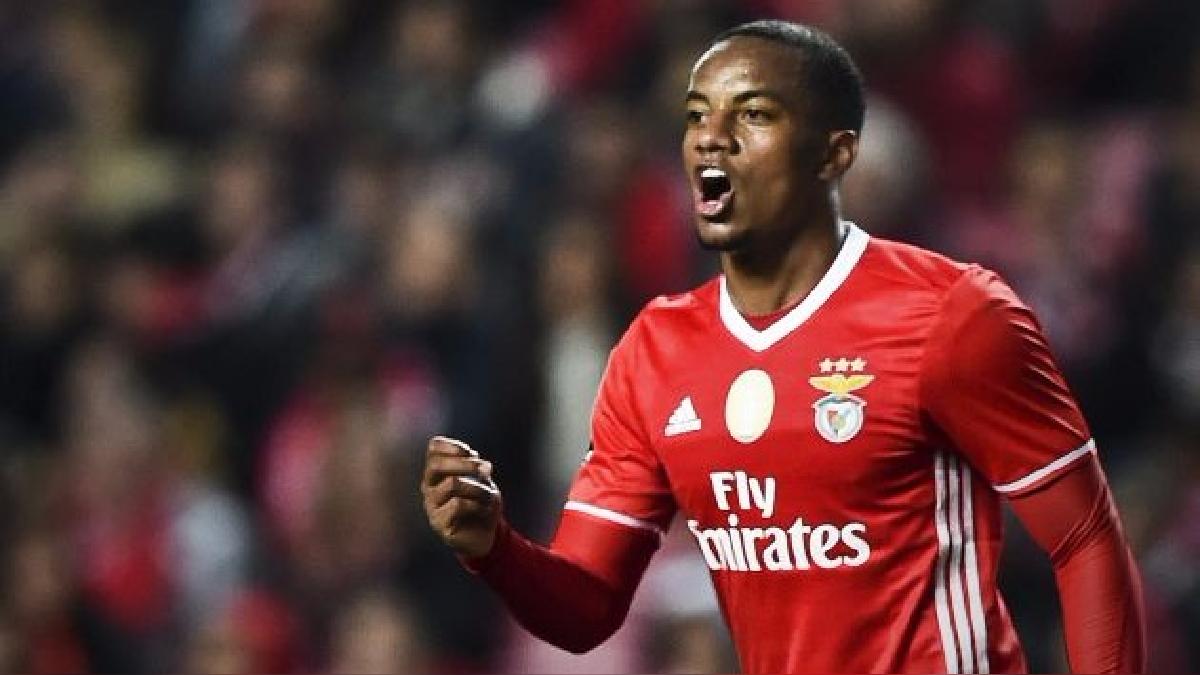 André Carrillo entró a los 71' minutos en el partido entre Benfica y Vitoria Guimaraes.