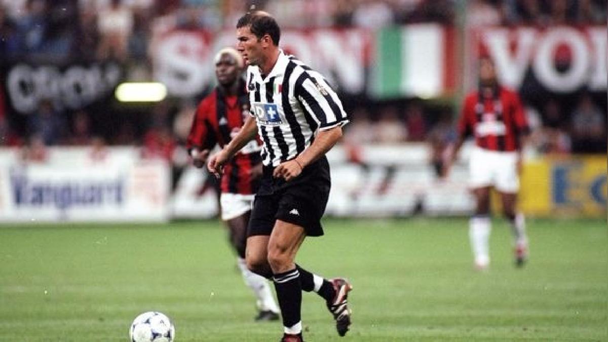 Zinedine Zidane llegó a la Juventus en 1996 procedente del Girondins de Burdeos.