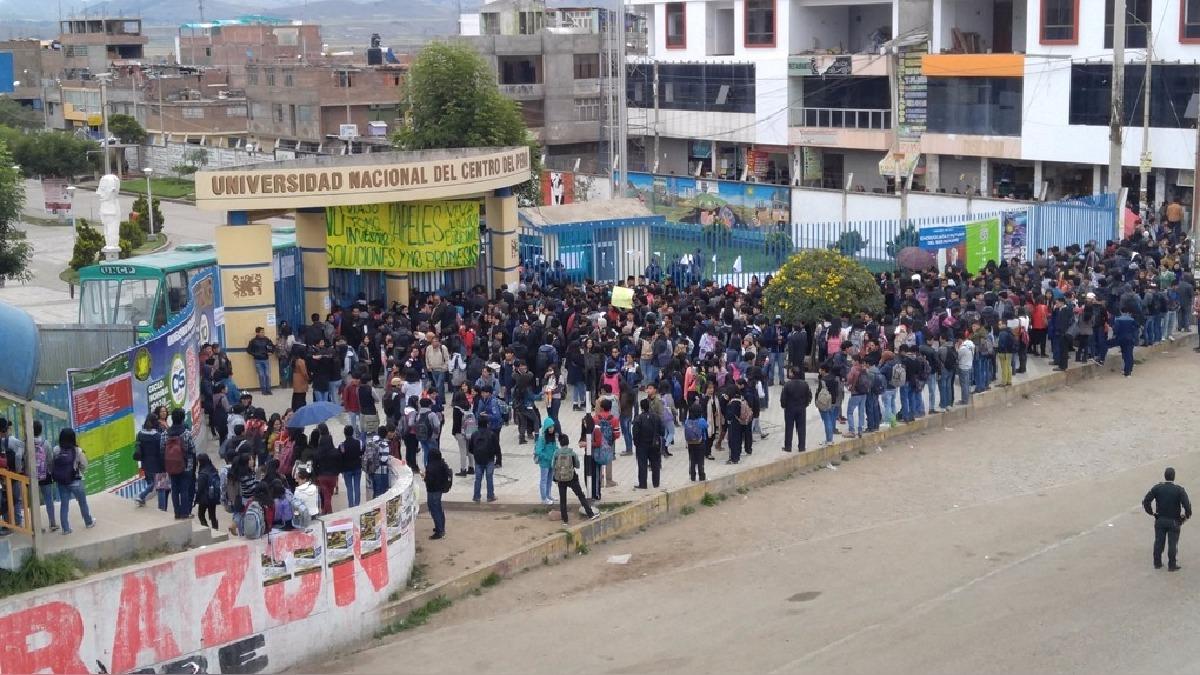 Más de 11 mil estudiantes fueron perjudicados por la toma de la universidad.