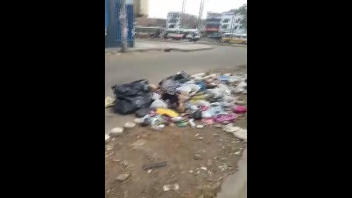 Vecinos de la cuadra 10 de Tomas Valle reportaron la gran cantidad de basura acumulada hace 2 meses