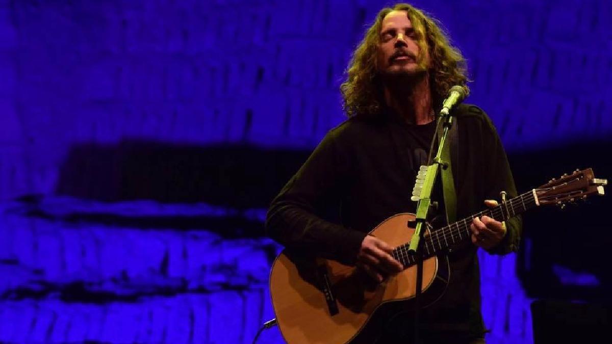 La policía estadounidense no descarta que Chris Cornell se haya suicidado.