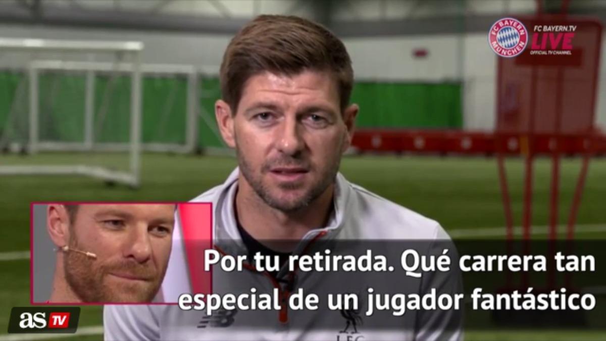 Steven Gerrard y Xabi Alonso compartieron 5 temporadas en el Liverpool.
