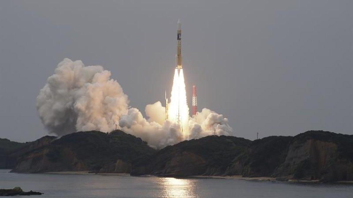 El Gobierno japonés planea utilizar estos satélites para establecer una red que garantice las comunicaciones cuando las redes tradicionales dejen de funcionar a causa de un desastre natural.