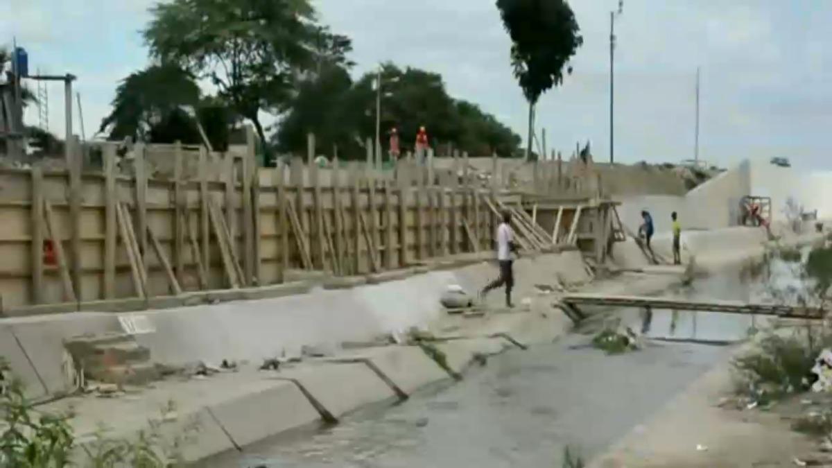 Comerciantes indicaron que serán afectados con la construcción de este muro.