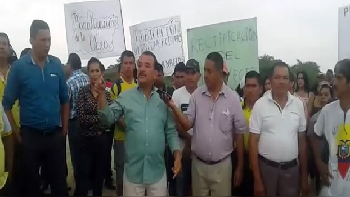 Comerciantes de cantón Huaquillas protestaron por construcción de muro en zona fronteriza.